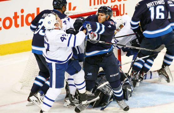 Leafs ztratili čtyřbrankové vedení a prohráli na ledě Jets