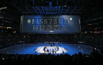 Maple Leafs vyřadili čísla 17-ti hráčů