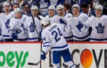 Leafs uspěli v těžkém testu na ledě Jets