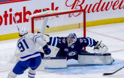 Maple Leafs vyhráli na ledě Jets také podruhé a upevňují si vedení v divizi