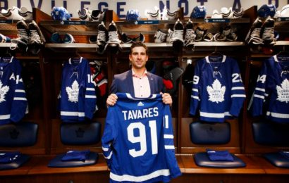 Maple Leafs získali Johna Tavarese